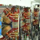 Der Positronenstrahl wird durch diese Quadrupol-Magnete auf der Kreisbahn gehalten.